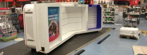 Produção  e implementação de Stand Playstation na worten Norteshopping.